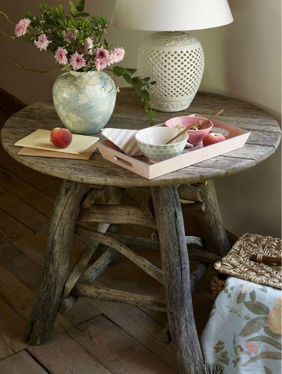 table en bois DIY avec du bois de récup.