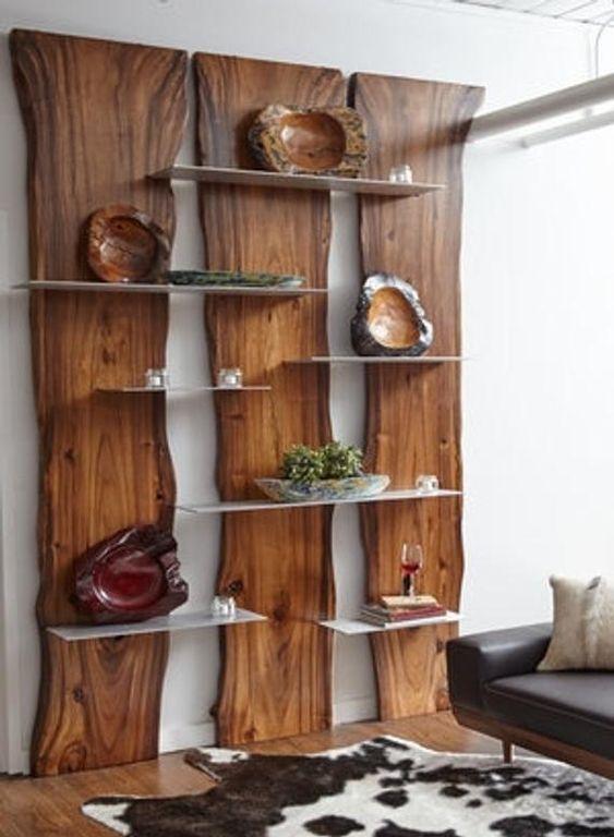 Bibliothèques rustiques en bois.